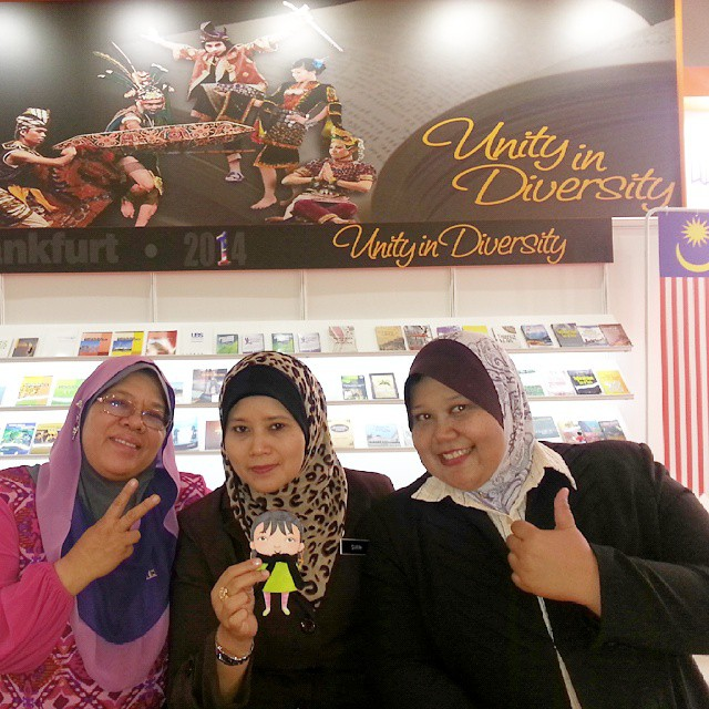 #DinaBudakComel with Malaysian delegates at Frankfurt Book Fair 2014.