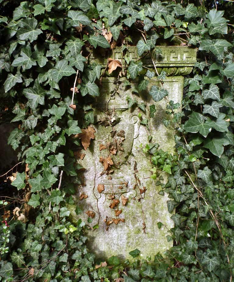 tomb01